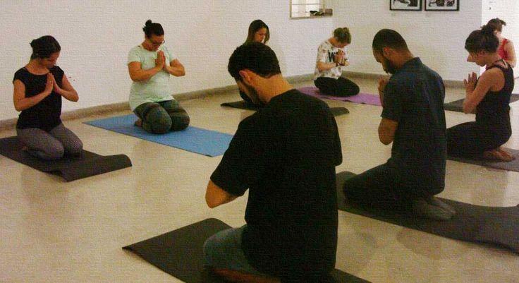 YOGA NO MUNA  A proposta é oferecer uma experiência estética no Museu que misture atividades corporais e mentais. Os participantes serão convidados a realizarem movimentos inspirados na Ioga para despertar os sentidos e a atenção plena. Depois, serão orientados para alguma obra exposta no Museu.  http://roteirouberlandia.com.br/yoga-no-muna-museu-de-arte-da-universidade-federal-de-uberlandia/  #uberlândia
