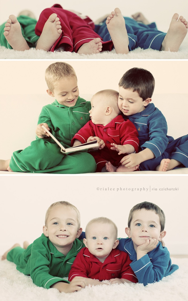 SO WANT TO DO THIS WITH MY GRANDCHILDREN ! Love having each kid in a different solid color! (Anyone else thinking of the Chipmunks right now?)