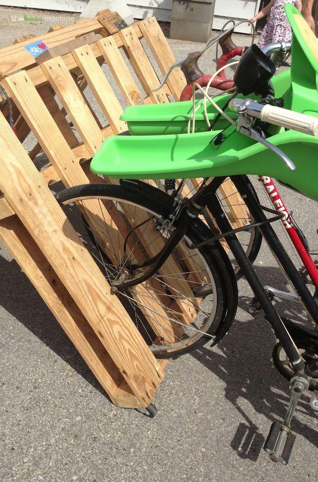 25 Unique Pallet Bike Racks Ideas On Pinterest Diy Bike Rack