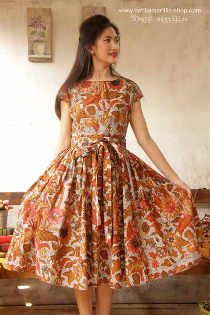 Our Iconic Series..hey day dress is back!! <3 Batik Amarillis' hey day dress #3 <3 ... eternally chic '50s-inspired dress is a perennial party classic. The fitted bodice and flared full skirt are supremely flattering, showcasing an utterly feminine silhouette to full effect with statement detailing!