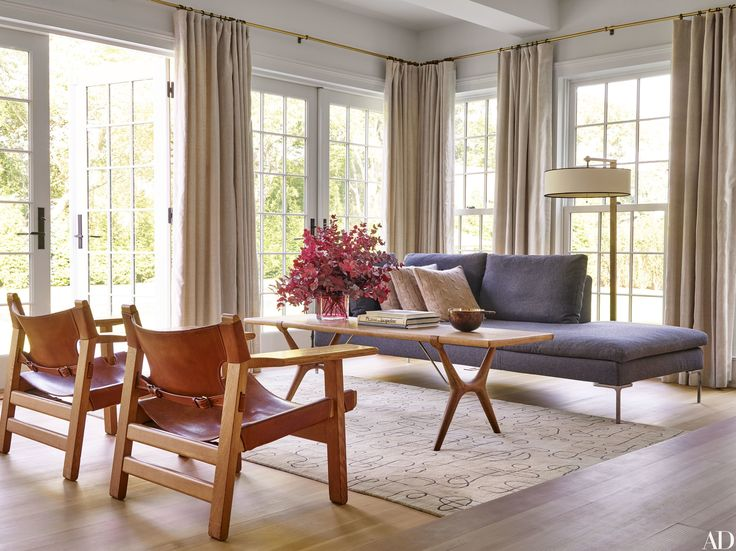 See Pilar Guzmn And Chris Mitchells Stunning Renovation Of Their East Hampton New York Home