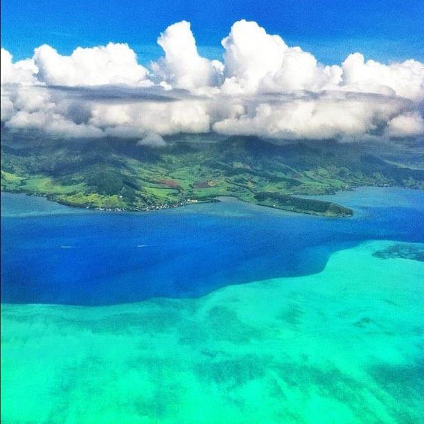 Le bel océan qui entoure l'île Maurice...