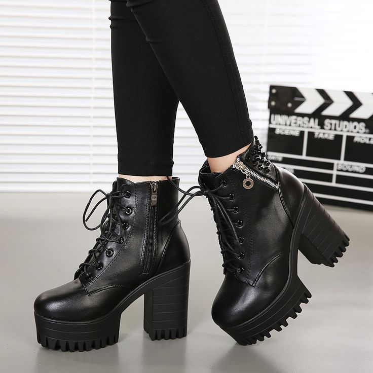 Haute d'une amende avec des bottes à talons hauts bottes imperméables hautes bottes noires, noir 37