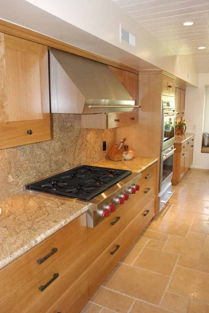 kitchen with modified shaker deign in rift
