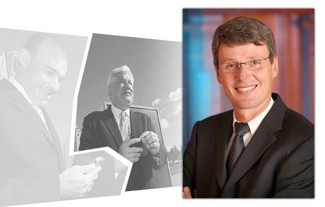 Tiempo de cambios en RIM, Jim Balsillie deja la empresa http://www.xataka.com/p/89961