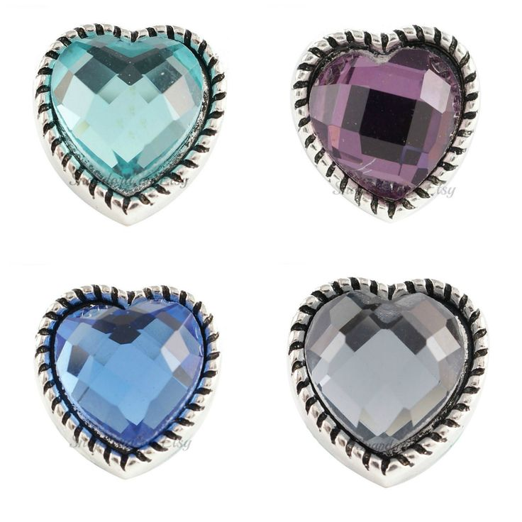 Mini snap charms for Petite Ginger Snaps jewelry and other small snap jewelry. Mini heart snap charm is 12.9 mm. by Snapdora on Etsy