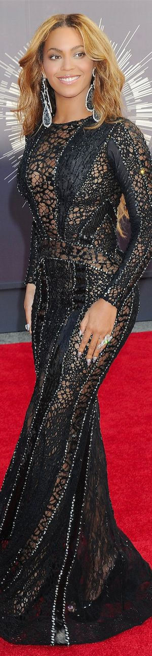 Beyoncé in a Nicolas Jebran Dress: 2014 MTV Video Music Awards Red Carpet and Performances