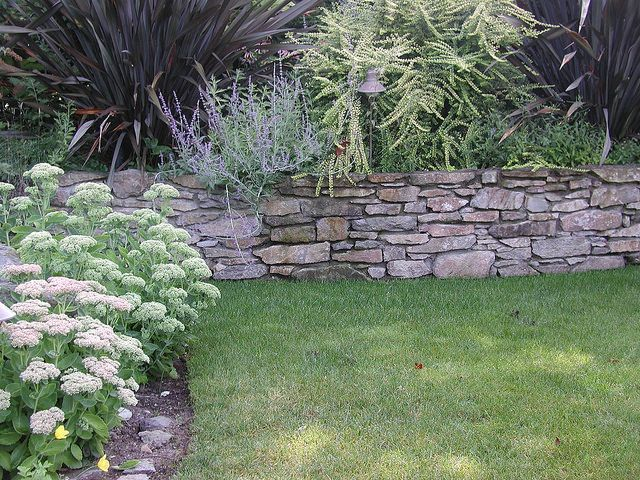 Basalt Old English Mortared Retaining Wall