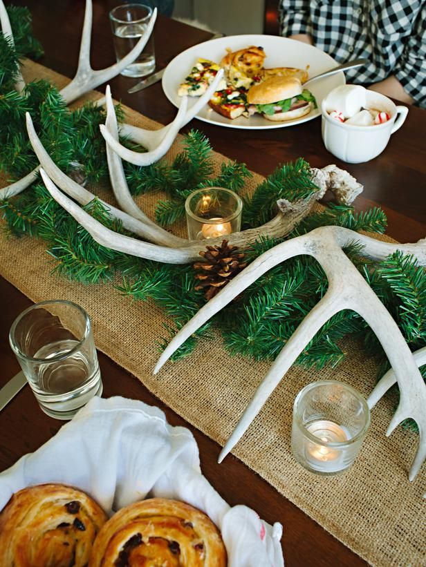 How to host a rustic Christmas brunch>> http://www.hgtv.com/entertaining/host-a-rustic-handmade-christmas-brunch/pictures/index.html?soc=pinterestAntlers Christmas Decor, Tables Sets, Christmas Brunches, Rustic Tables, Rustic Decor, Antlers Christmas Parties, Christmas Dinner, Rustic Christmas, Dinner Tables