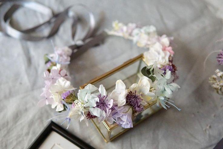 custum made flower crown ブーケとお揃いの花冠 ごく淡いブルーとラベンダー トレンドのブルーグレーの カラードレスに ご結婚おめでとうございます #ヘッドドレス #dryflower #bouquet #weddingflowers #weddingbouquet #ブーケ #ウェディング #フォトウェディング #weddingtrends #花冠 #花かんむり #ウェディングブーケ #ウェディングドレス #結婚式 #結婚式準備 #プレ花嫁 #日本中のプレ花嫁さんと繋がりたい #オーダーメイド #前撮り #花のある暮らし #クラッチブーケ #カラードレス #wedding #bridalbouquet #bridal #写真撮ってる人と繋がりたい #flowerstagram #2018春婚 #ドライフラワーブーケ #weddingtrends
