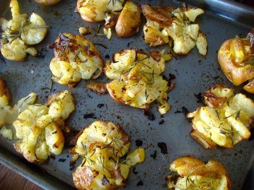 Cuisiner les pommes de terre autrement. Rapide et aux herbes. En anglais.