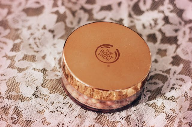 Coral Yellow: My highlighters #1: The Body Shop Brush on Radiance
