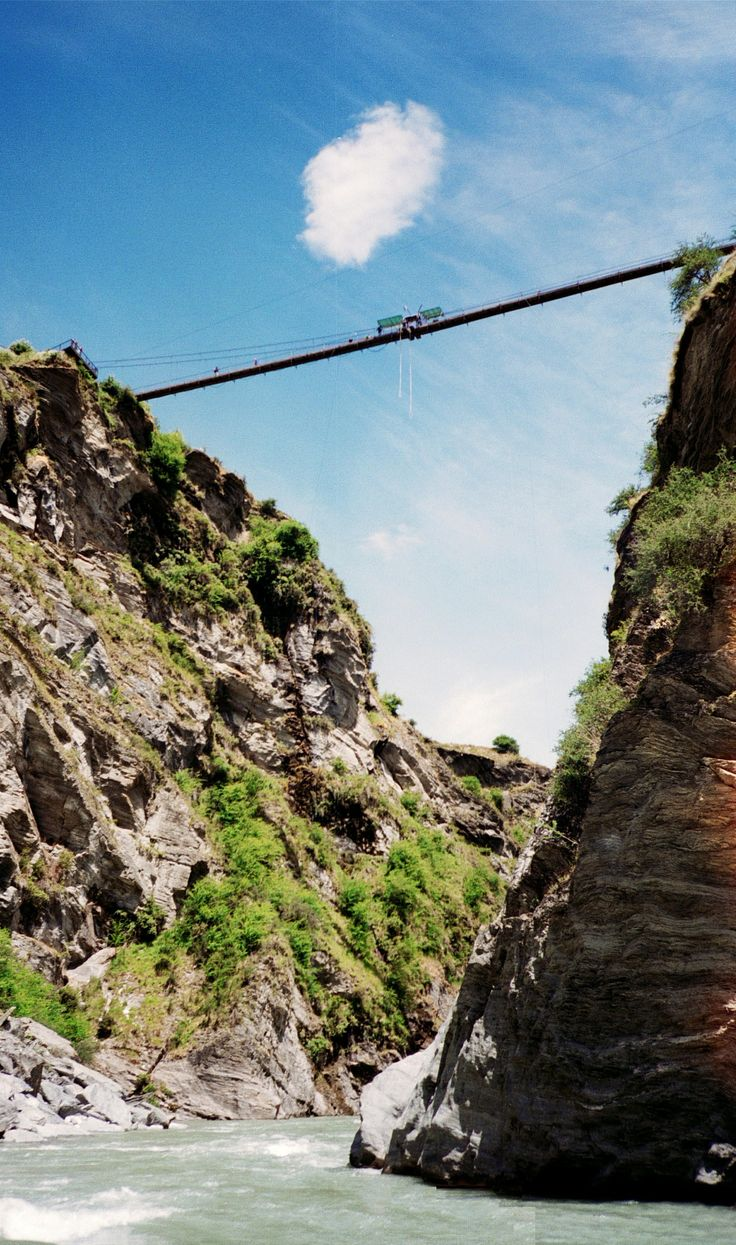 New Zealand, South Island - Pipeline Bridge and Bungy Skippers - Canyon near Queenstown