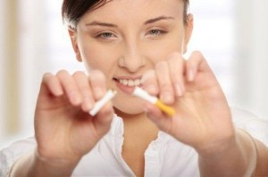 Palenie tytoniu znacząco pogarsza funkcje regenerujące tkanek. Czterokrotnie zwiększa szanse odrzucenia implantu, dlatego szczególnie przestrzegamy nałogowych palaczy przystępujących do zabiegów implantologicznych przed negatywnymi konsekwencjami palenia tytoniu. Bezwzględnym wskazaniem jest powstrzymanie się od palenia min. 48 godzin od wykonania zabiegu. Więcej na naszej stronie: http://www.martomedica.pl/implanty-warszawa