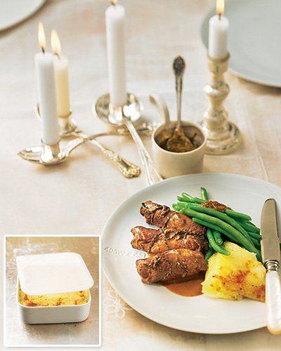 """Mini-Rouladen mit Thymian-Bohnen und Kartoffelgratin Dieses Weihnachtsessen können Sie zwei Wochen vorher vorbereiten und einfrieren. Heiligabend heißt es dann: Rouladen und Kartoffelgratin drei Stunden auftauen und je ein Viertelstündchen ab in Ofen und Kochtopf. Sie können sich derweil entspannt den TK-Bohnen widmen. <a href=""""/rezepte/rezepte/mini-rouladen-mit-lardo-und-schalotten"""">Zum Rezept: Mini-Rouladen mit Thymian-Bohnen</a><br /><a href=""""/rezepte/rezepte/kartoffelgratin3"""">Zum Rezept…"""