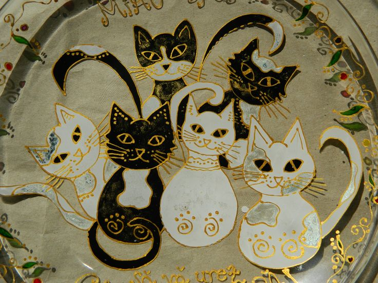 Wedding present: serving dish with cats, hand painted by Handmade Sister (www.handmadesister.blogspot.com)