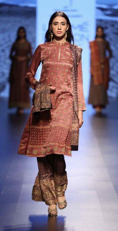 Scarlet Bindi - South Asian Fashion and Travel Blog by Neha Oberoi: LAKME FASHION WEEK SUMMER/RESORT 2016 DAY 1: CHIRAG NAINANI, QUIRK BOX, SNEHA ARORA, SURENDRI,ANAND KABRA, ANUPAMA BOSE, ASIF SHAIKH, ANEETH ARORA