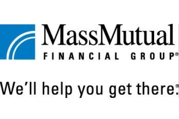 Los padres latinos se oponen a que sus hijos obtengan préstamos estudiantiles y que acumulen deuda, de acuerdo al Estudio de Planificación y Ahorro para la Universidad de MassMutual