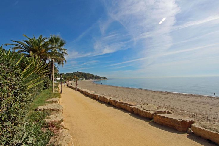 Beach front community - Between the Marbella Club hotel and Puerto Banus
