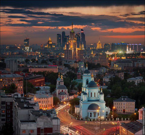 "Beautiful Pictures on Twitter: ""Sunset in #Moscow. http://t.co/KbL6Ygmetx"""