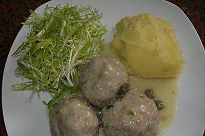 Fleisch: KÖNIGSBERGER KLOPSE... an Kapernsauce