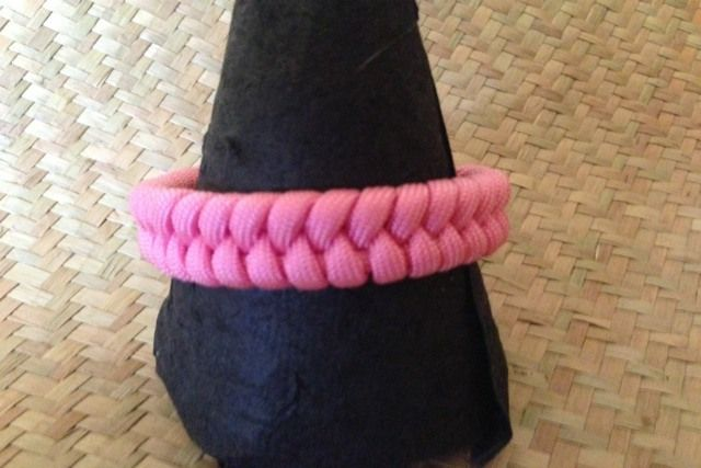 Pink Fishtail Braid #paracord #fishtail