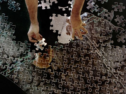 Mircea Cantor,  One Piece, the Same  2010  table, tripod, mirrored plexiglas  300x100 cm