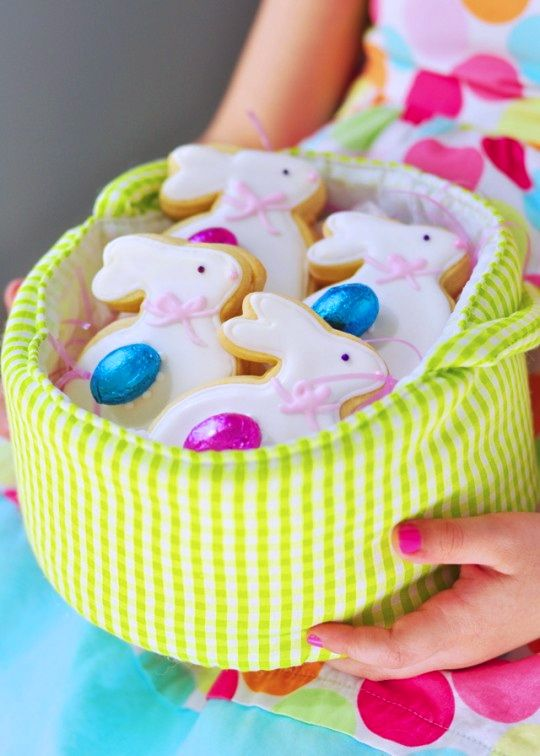 Easter Figolli Cookies via Sweetapolita