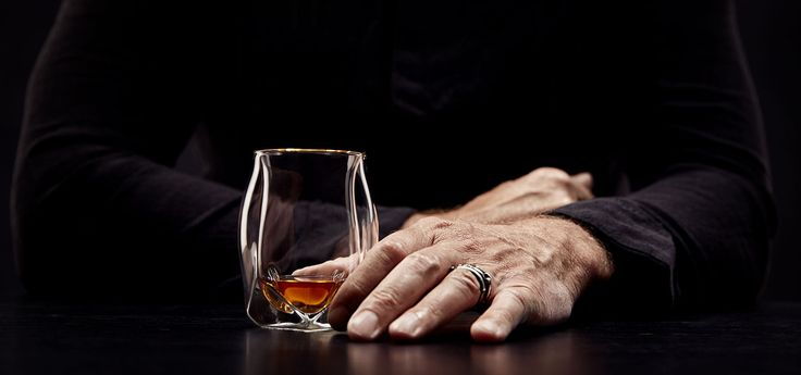 Norlan is an international brand focused on modernizing the whisky drinking experience through design, science, and ritual.
