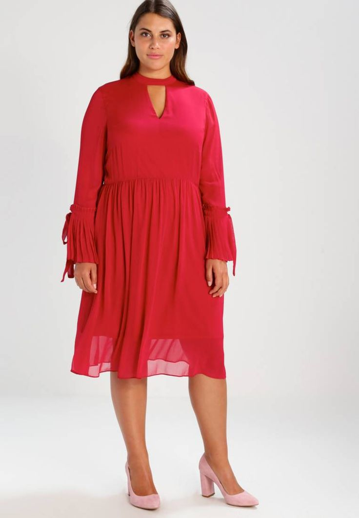 "Lost Ink Plus. RUFFLE SLEEVE - Summer dress - pink. Outer fabric material:100% polyester. Pattern:plain. Care instructions:machine wash at 40°C,do not tumble dry,Machine wash on gentle cycle. Neckline:backless. Sleeve length:Extra long,25.0 "" (Size ..."