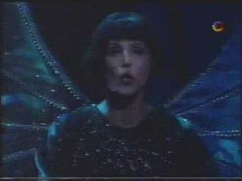 Valeria Lynch - El Beso de la Mujer Araña - YouTube