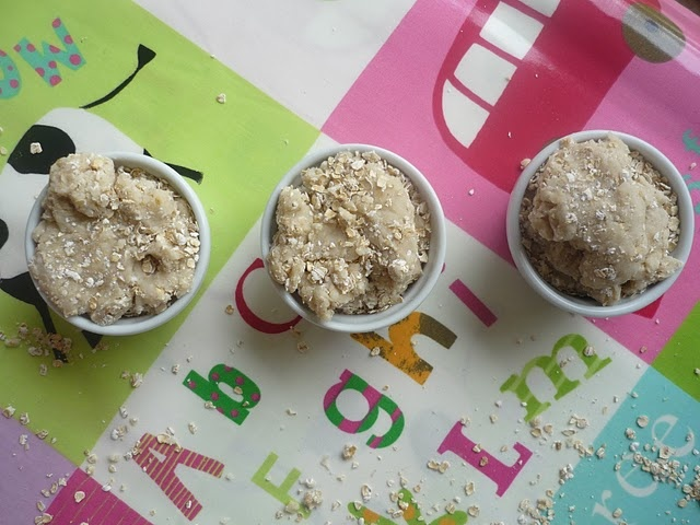 Porridge oats playdough..Make it extra fun by reading Goldilocks and the Three Bears first.
