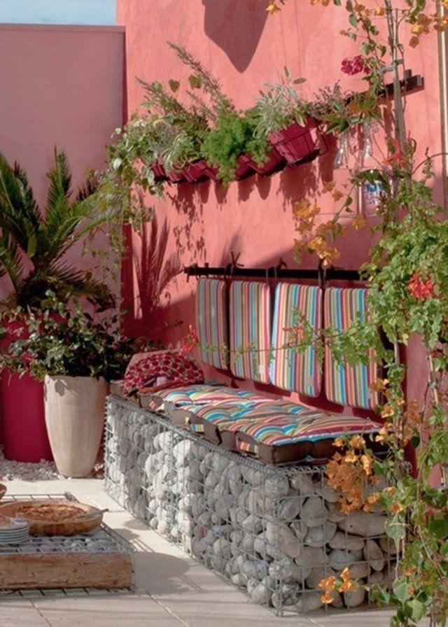 Un jardin rose comme un écrin de verdure