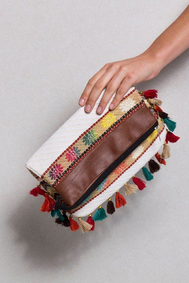 Boho clutch bag!!  Το απόλυτο #must_have για το φετινό καλοκαίρι!!  #shop_online: http://bit.ly/1Jmptur