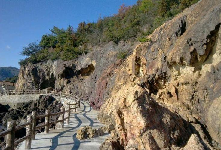 五色岩(仙酔島にて)