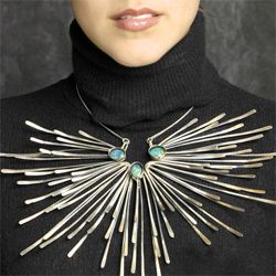 Mid century necklace by American jeweller Merry Renk, silver with opals. Actually , more body sculpture than necklace...just wonderful. I wish i had the time to make something like this. Perhaps if I win the lottery.....