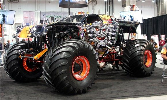 Spectra Chrome Max-D Monster Truck - my fave Max-D by far specially with the sparks flying too