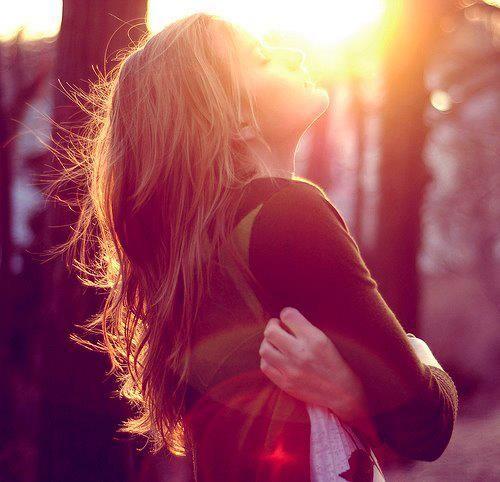 """""""Occupez-vous d'abord de vous-mêmes, et réglez la question en comprenant ce que vous êtes vraiment, en reconnaissant ce que vous n'êtes pas, et le monde, qui est une projection de votre psyché, deviendra de plus en plus beau et paisible, car le monde..."""