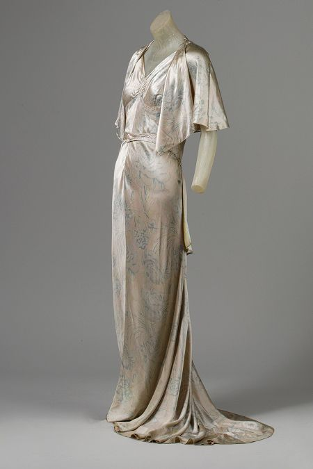 Jean Patou (French, 1887–1936). Cape and Dress, ca. 1931. The Metropolitan Museum of Art, New York. Gift of Madame Lilliana Teruzzi, 1972 (1972.30.17a,b)