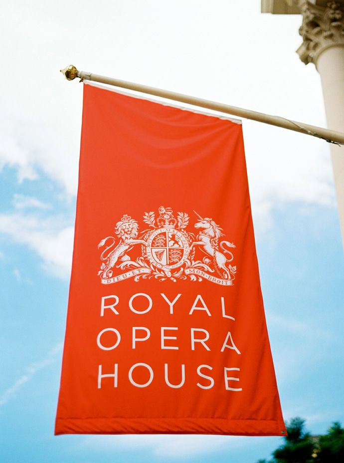 www.herecomesthemusic.com/vicky-and-emmanuel-royal-opera-house Wedding Royal Opera House London - Images by Ann-Kathrin Koch
