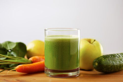 High blood pressure can lead to serious health consequences if not properly treated. Try these 4 green smoothies to lower your blood pressure naturally.