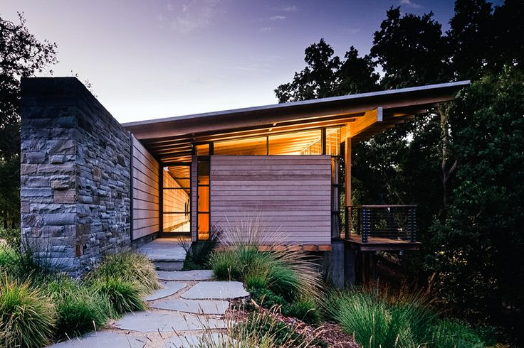 Set on a ridgeline in the Santa Lucia Preserve, the Halls Ridge Knoll Guest House is the first in a series of structures to be built on the site. The home is connected to the land via a massive stone...