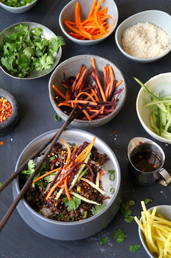 Bulgogi - koreansk matrett, her laga med kjøttdeig, marinade og masse friske grønnsaker, servert med ris #korea #asia #beef