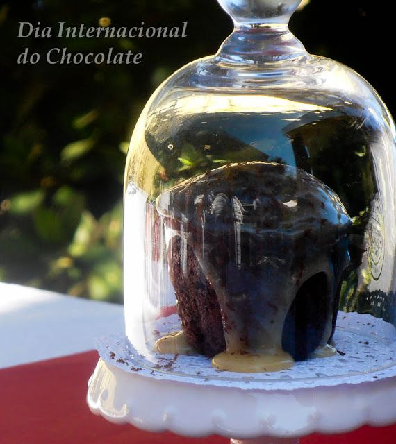 Muffins de Chocolate Duplo e Doce de Cereja