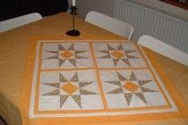 Sárga csillagos patchwork terítő