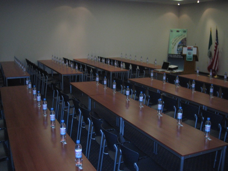 Montaje escuela salones Holiday Inn Express Puebla