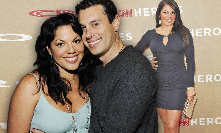 Grey S Anatomy Star Sara Ramirez Gets Hitched To Banker