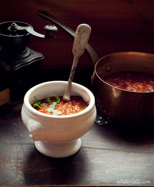 Zupa soczewicowo-pomidorowaWhite Plate: Zupy