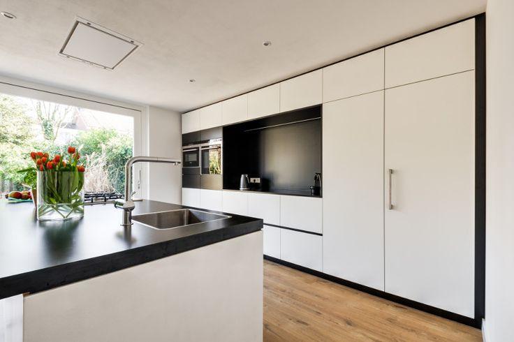 Keuken met kookeiland en nis met aanrecht voor apparaten keukens pinterest kitchen colors - Moderne keukenkast ...