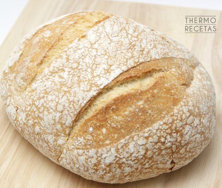 Un pan artesanal elaborado a base de harina de espelta, nutritivo y sano. Ideal para untar con mantequilla y mermelada, con embutidos o aceite de oliva.